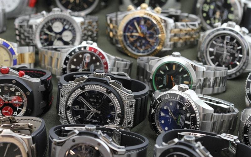 時計の並行輸入品と正規品