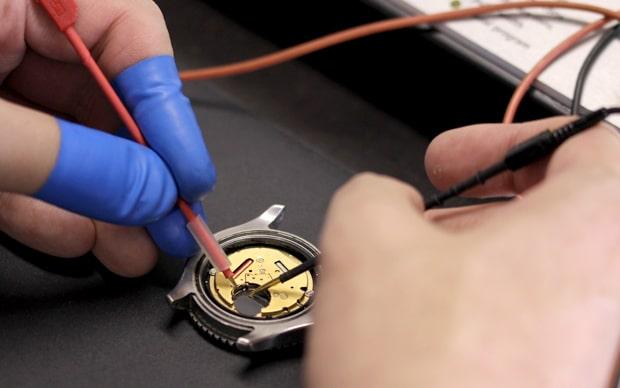 クオーツ時計の回路点検